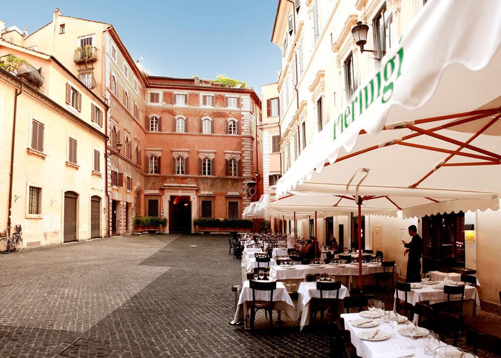 eat outside in rome treasurerome